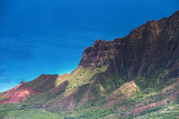 The ragged fluted peaks of Kalalau Valley - Nā Pali Coast, Kauai