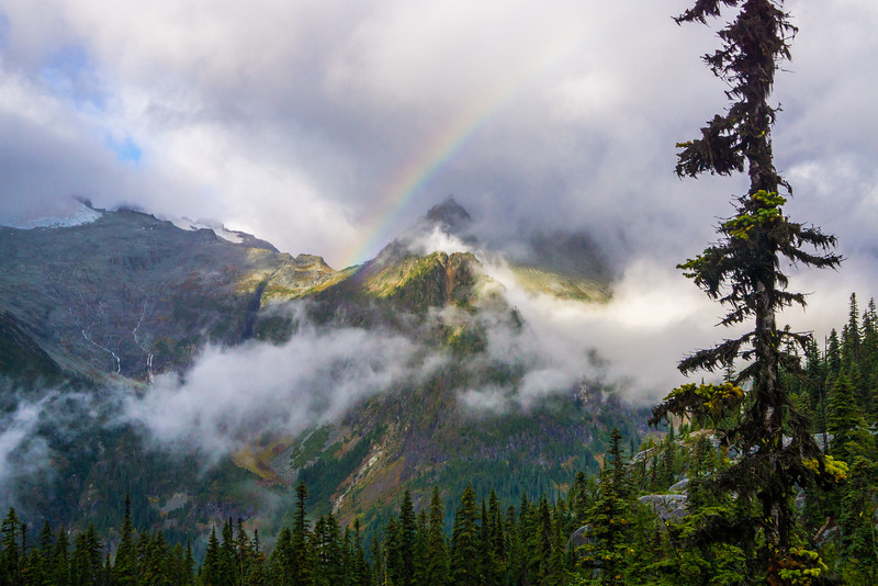 Cathedral Rock and beyond, Alpine Lakes Wilderness, WA