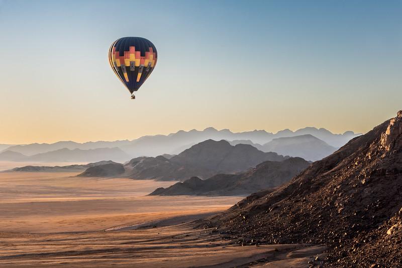 Desert mountain flight