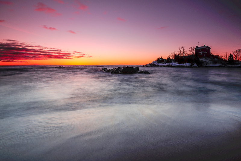 Dawn at Marquette lighthouse 01