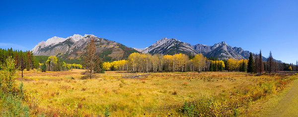 Bow Valley Parkway - autumn pano