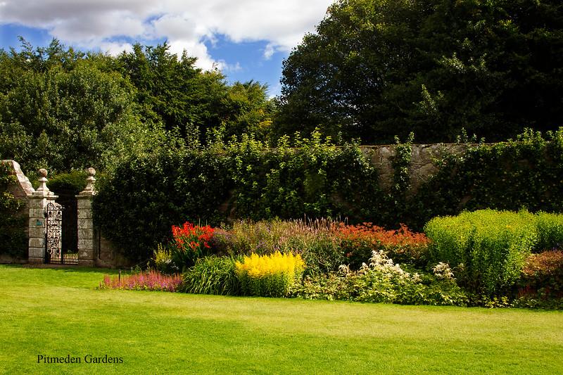 Pitmeden Gardens. John Chapman.