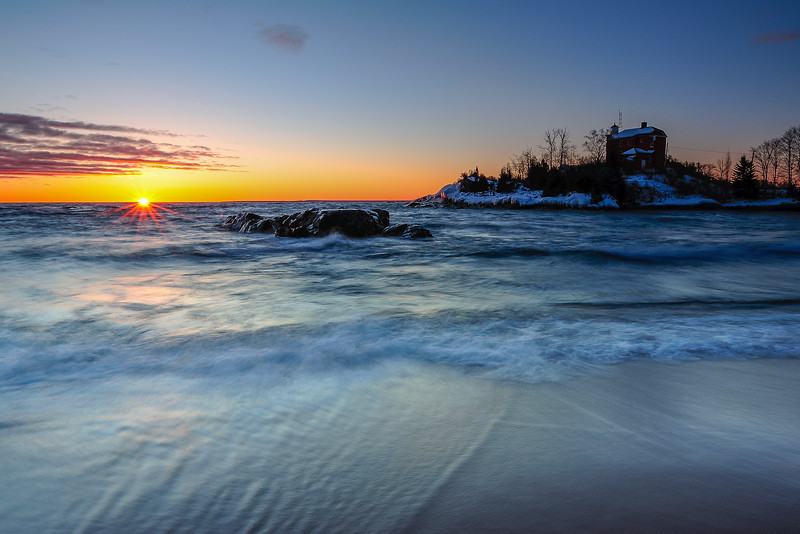 Sunrise at Marquette lighthouse 01