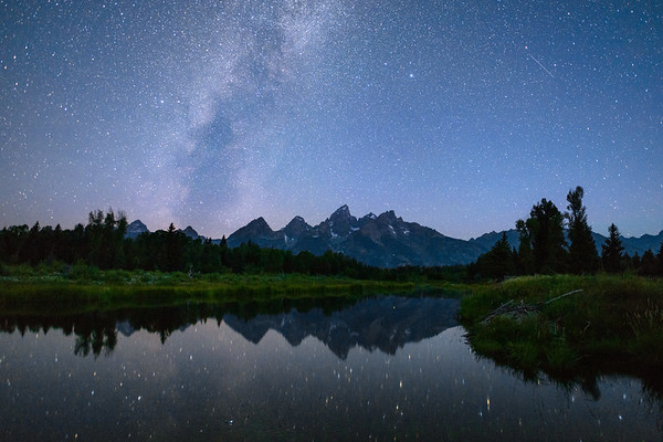 galaxy over the mountains