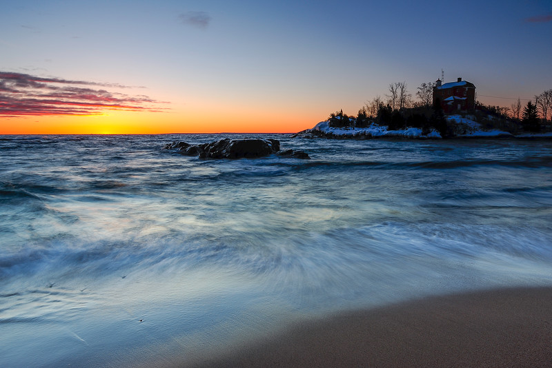 Dawn at Marquette lighthouse 02