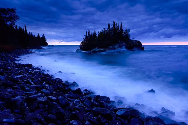Moody blue hour at the Rock 01