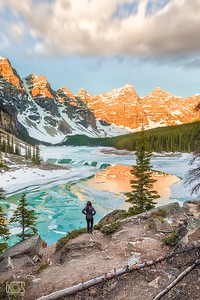 First lights at Moraine Lake