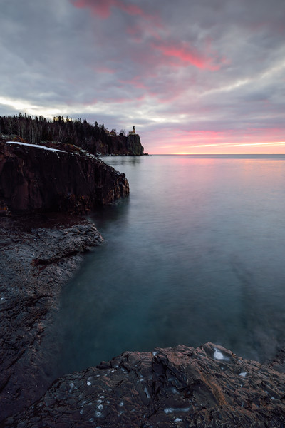 Sunrise at Split Rock Lighthouse 01
