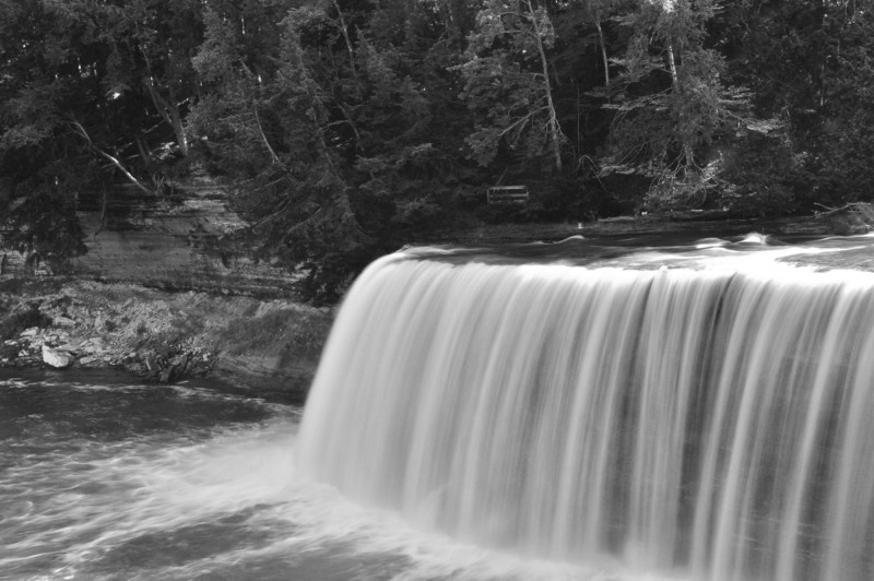 B&W Tahquamenon Falls