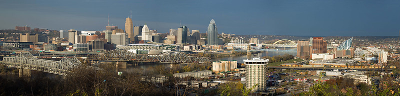 Panorama of Cincinnati from Devou Park, Northern Kentucky
