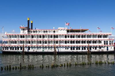 Cruise Ship, Astoria