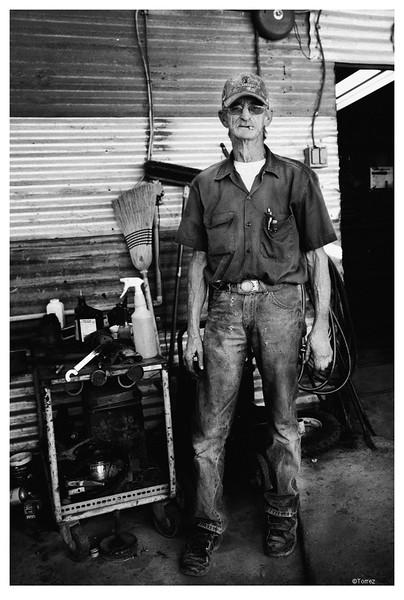 Auto Mechanic Arivaca, AZ ©Bob Torrez