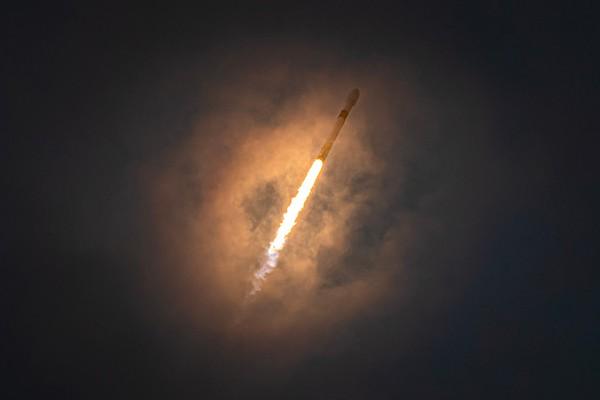 Falcon 9: AMOS-17