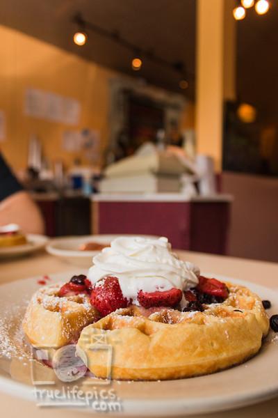 Breakfast at Stephanies 6 6 15 (7)