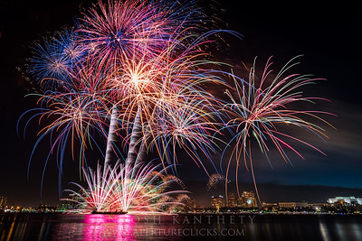 A little late but here is some composites of spectacular fireworks that were on display for 4th of July Independence Day!!