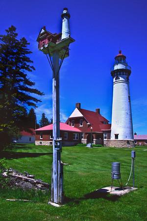 The Birdhouse Light