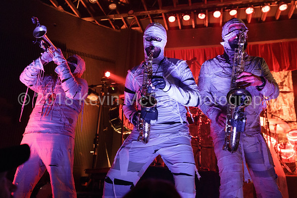Here Come the Mummies - 04