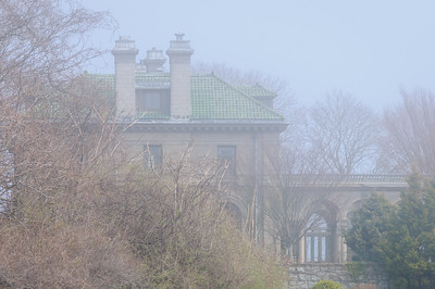 Eolia Mansion in Fog