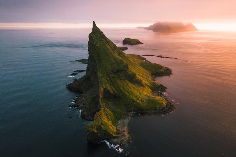 Tindhólmur & Mykines island and the Midnight Sunset.