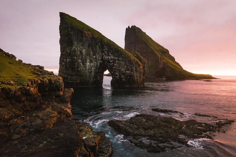 Drangarnir & Tindhólmur and the midnight Sunset