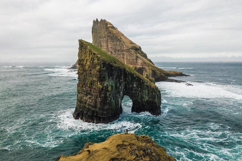 Drangarnir & Tindholmur island in the background.