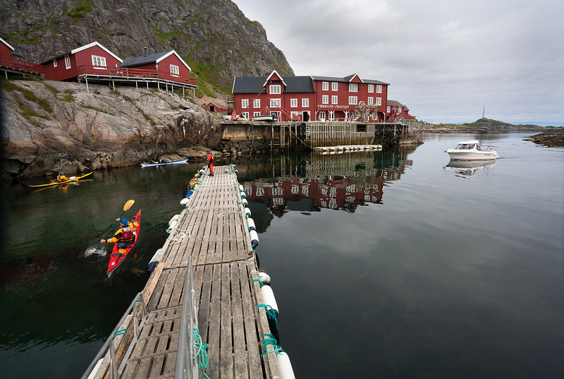 Kayakers departing the village of Ä. Lofoten.