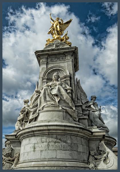 Victoria Memorial, Buckingham Palace