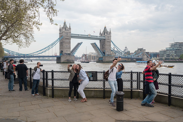 Tower Bridge Open for Selfies!