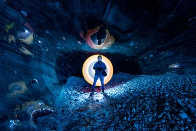❄️ 🥶 🇮🇸 Icelandic ice caves were lit 🔥