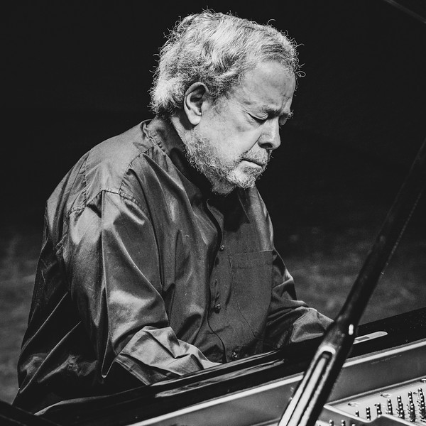 Pianist Nelson Freire
