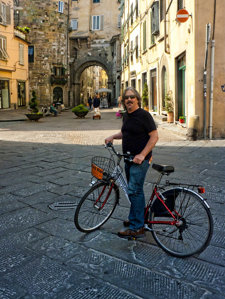 BIking through Lucca