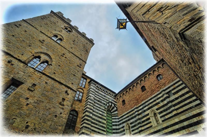 """""""downtown"""" Volterra"""