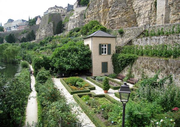 Garden below the Bock Promontory wall, along the Alzette River - up to the Chemin de la Corniche