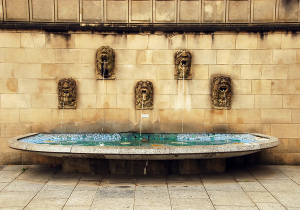 Fountain spouts - Luxembourg City