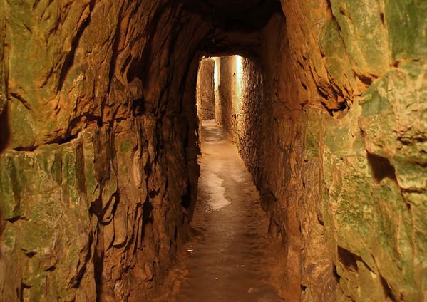 Along the rock corridors of the Casemates of the Rocher du Bock