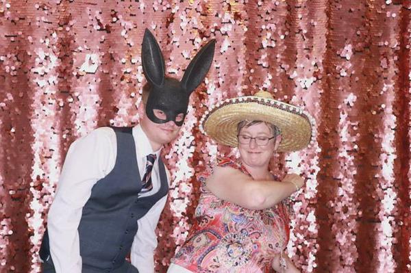 Katie-Thomas-wedding170118_083438.MP4MP4