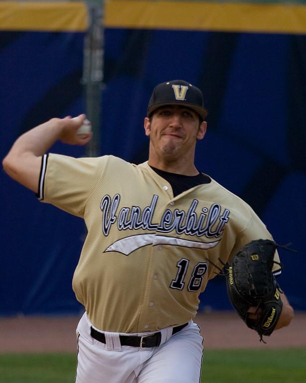 Casey Weathers pitching at Vanderbilt