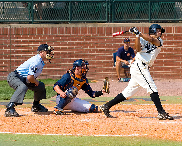 Pedro Alvarez at bat for Vandy against Auburn