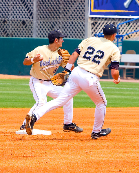 Vandy's Ryan Flaherty and Alex Feinberg team up for the double play.