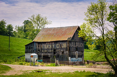 Kentucky Club and Mail Pouch Barn