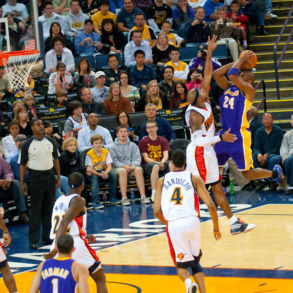 Kobe Bryant goes big