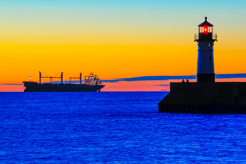 Bluewing anchored near Duluth at dawn