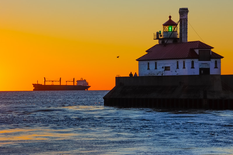 Bluewing anchored near Duluth at sunrise