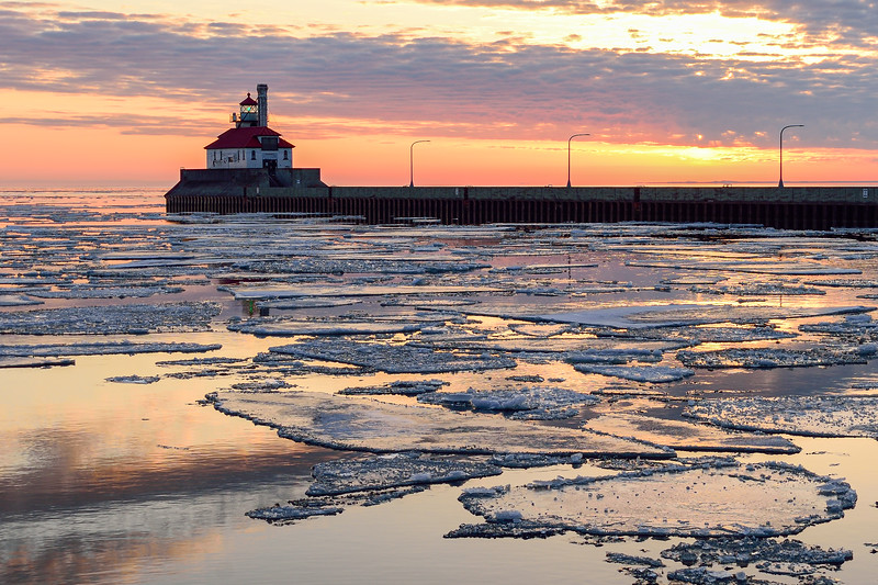 Late winter sunrise in Canal Park 01