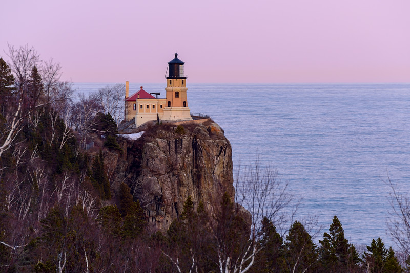 Split Rock Lighthouse at civil twilight 01