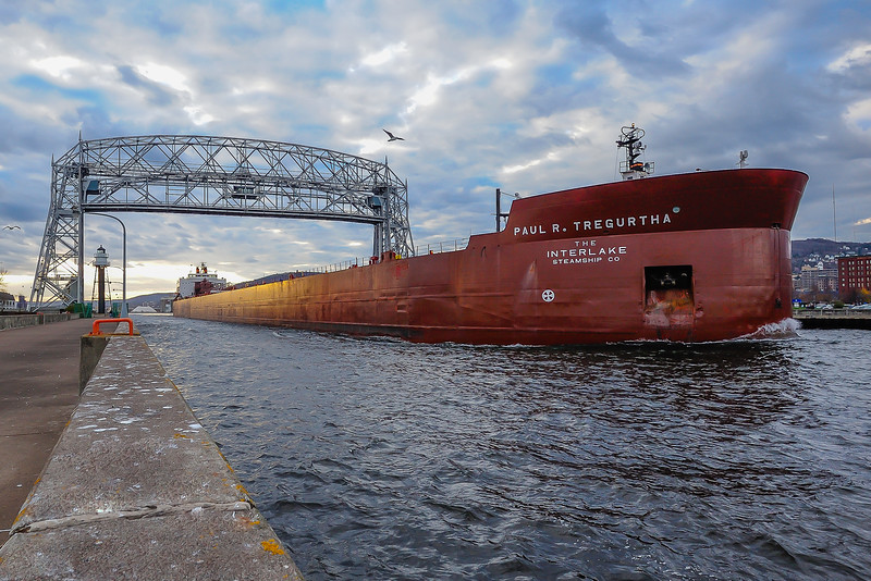 Paul R. Tregurtha departing Duluth