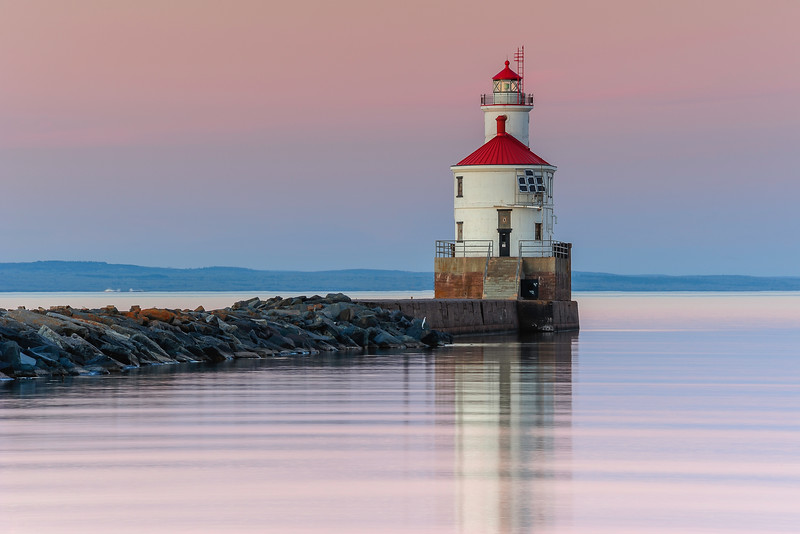 Superior Entry lighthouse with Belt of Venus 01