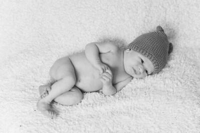 Newborn-0016_bw
