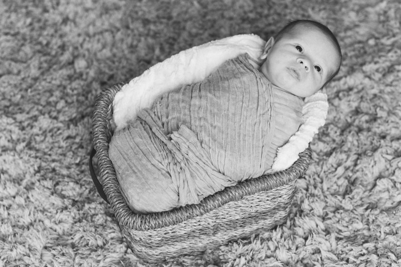 Newborn-0012_bw