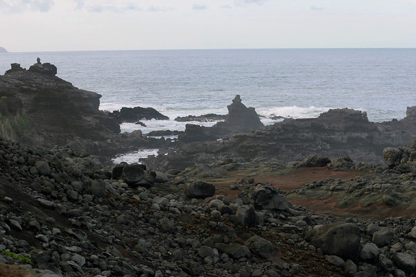 Trek down to the Olivine Pools - Central Maui region